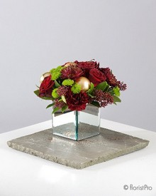 Christmas, festive, red, gold, table, arrangement, flowers, florist, Gravesend, delivery