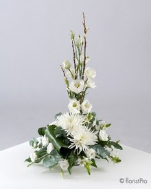 white modern flower arrangement www.thegravesendflorist.co.uk
