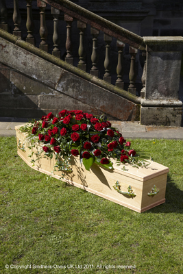Red, rose, spray, coffin, luxury, funeral, tribute, wreath, flowers, florist, Gravesend, delivery