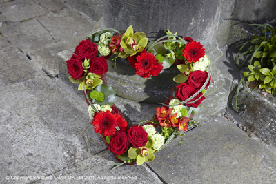 Funeral, wreath, heart, flowers, gravesend, florist, delivery