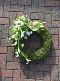 Funeral, wreath, unusual, modern, flowers, gravesend, florist, delivery