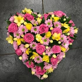 Heart, rose, carnation, pretty, funeral, tribute, flowers, Gravesend, Florist, delivery