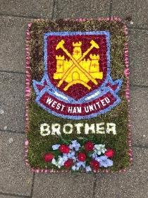 West Ham, hammers, football, logo, team, whfc, funeral, flowers, tribute, Gravesend, kent, London, wreath, floral,