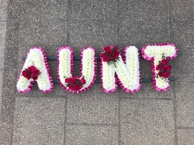 Aunt, aunty, auntie, letters, word, funeral, flowers, frame, tribute, wreath, flowers, floral, florist, Gravesend, kent, london
