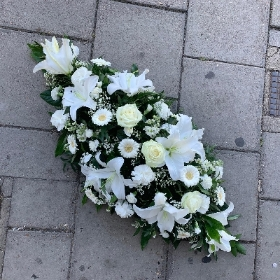 White, lily, rose, gerbera, carnation, coffin, spray, Funeral, sympathy, wreath, tribute, flowers, florist, gravesend, Northfleet, Kent, london