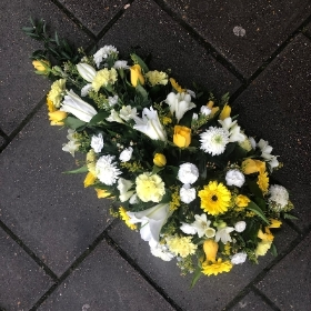 Yellow, White, lily, spray, Funeral, sympathy, wreath, tribute, flowers, florist, gravesend, Northfleet, Kent, london