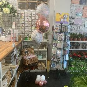 Gravesend, kent, london, delivery, new baby, valentine's, Foil, balloons, birthday, age, party, bouquet, cluster, anniversary,