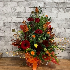 Seasonal front facing arrangement