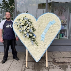 Big, large, standing, heart,  wooden, frame, gypsy, traveller, Funeral, sympathy, wreath, tribute, flowers, florist, gravesend, Northfleet, Kent, london